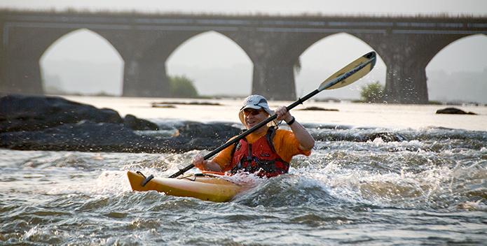 kayaking in the susquehanna - Miguel Angel de la Cueva iLCP 695x352